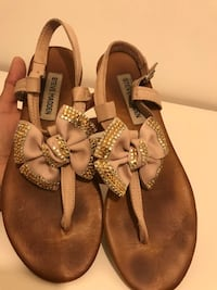 Steve Madden leather sandals  Palmdale, 93550