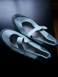 pair of gray-and-white slide sandals Toronto, M2R 3A3