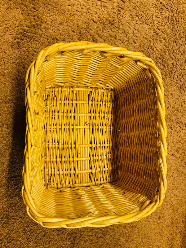 Bundle of baskets (4) fb267ad8-9af8-4f7d-8f5f-96b283714cf2