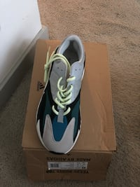 700 Boost men's size 10 Alexandria, 22303