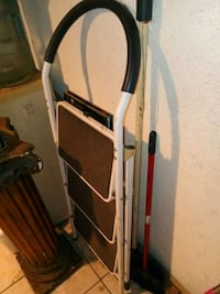 white and brown metal 3-step folding ladder Montebello, 90640