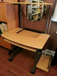 Delivery available.Mobile computer desk on casters St. Louis, 63125