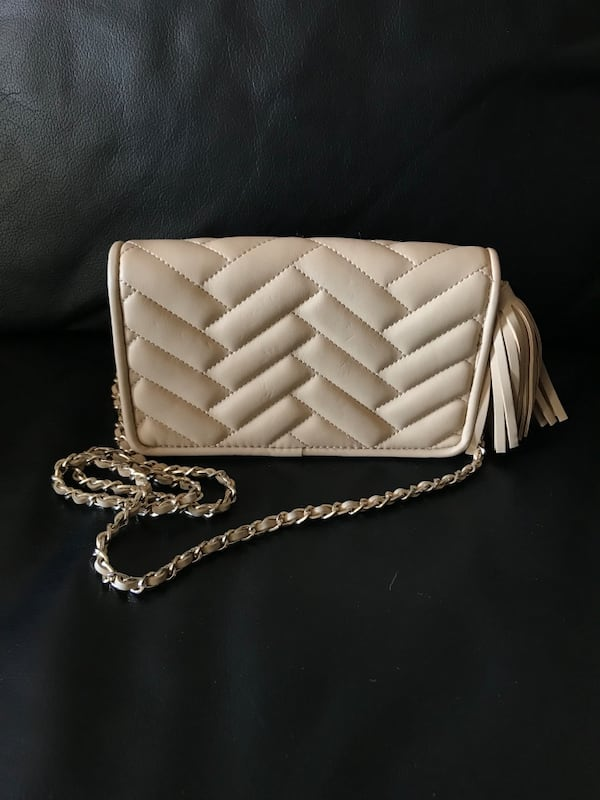 Zara Faux Leather Quilted Crossbody bag abe88628-2f36-4773-a419-c44d9cfd1f91
