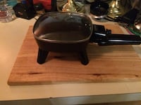 Small electrical fry pan Edmonton, T5Y