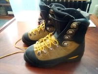 Vasque Mountaineering Boots, excellent condition. Des Moines, 50314