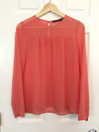 Pretty pink chiffon blouse with gathers above bust and button details at back neck and cuffs. Zara Woman. Pristine condition, worn once. Size XS Toronto, M4L 2P6