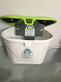 New Kitchen compost caddy (never used )  37 km