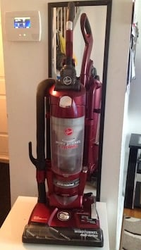 Red and black dirt devil upright vacuum cleaner .Working weri well Winnipeg, R2M