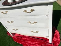 white wooden 3-drawer chest Temecula, 92591