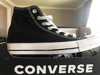 Women's 7 men's 5 converse, worn once St Catharines, L2T 3W1
