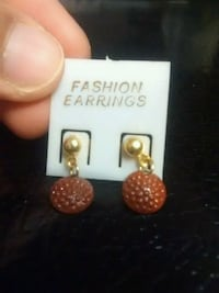 pair of gold-colored earrings Ajax, L1T 1W6