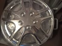 chrome 5-spoke car hubcaps