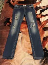 Blue denim straight cut jeans size 9 worn once meet in boonsboro only  Boonsboro, 21713