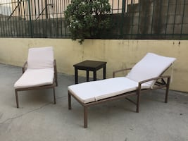 Deluxe chaise lounges set