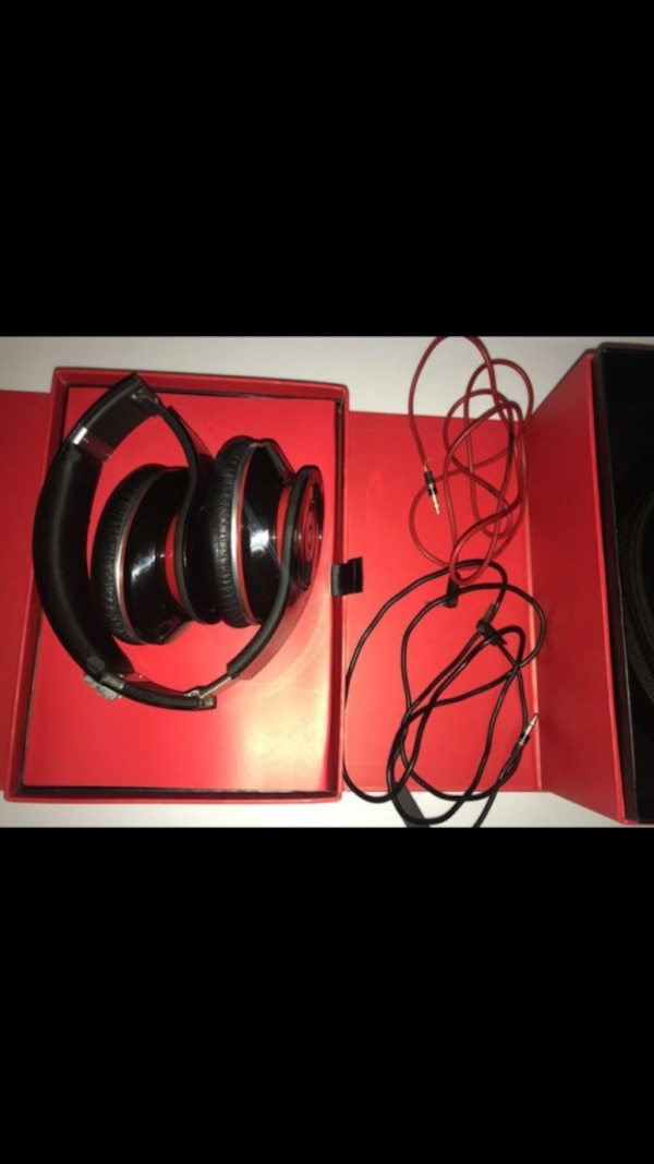 51213550f94 Used black Beats by Dre headphones set for sale in Brentwood - letgo