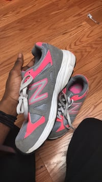 gray and pink new balance running shoe Montgomery Village, 20886