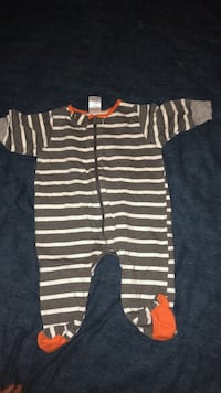 0-3 month baby pajama  Clinton, 20735