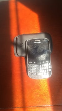 black BlackBerry qwerty phone Leesburg, 20176