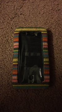 wallet iphone case! fits iphone 5. never used  Seat Pleasant, 20743