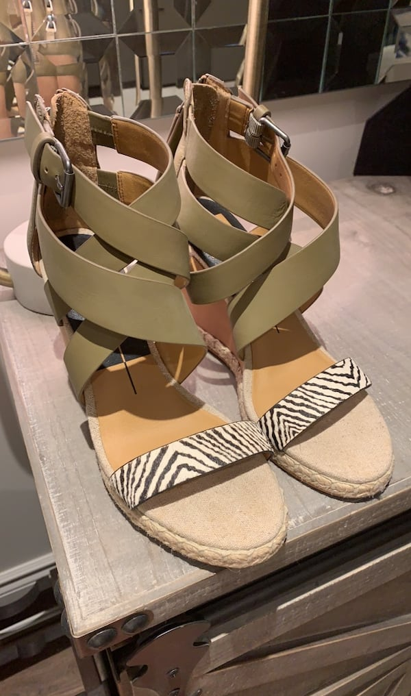 Dolce Vita Wedges - Size 8.5 - NEVER WORN!! 321ee079-85f2-4754-9ec8-d24f7a87a894