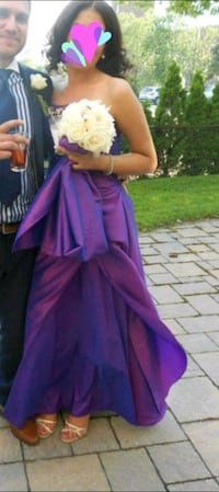Purple dress worn only once.Dry cleaned  Montréal, H1S 0A3