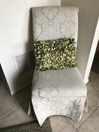 Dining room chair or accent chair