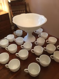Vintage McKee Milk Glass Concord Punch Bowl with 20 matching cups Cinnaminson, 08077