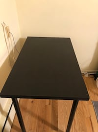 Ikea table (no scratches or damages) Toronto, M8Y 1R8