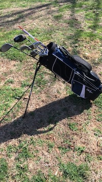 Black and white golf bag with golf club set L/H  Lexington, 27292