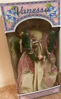 Vanessa limited edition porcelain doll (1999)BNIN