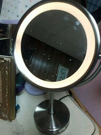 mirror side and flip enlarged mirror touch light Hoover