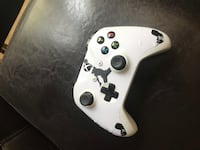 White Xbox one controller with Jordan skin works great Henderson, 89052