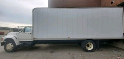 1998 Ford Cube Truck*** 26ft Heavy Truck