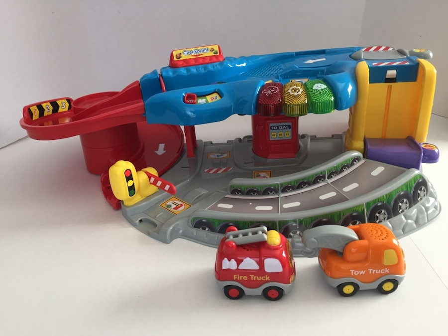 V Tech Garage : Used vtech go go smart wheels garage playset for sale in little