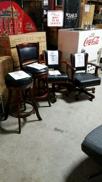 Soldwood stools + gaming chair
