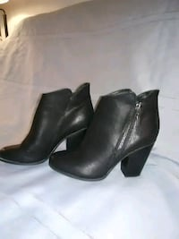Boots Sz 6.5 Savannah, 31407