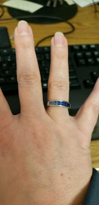 White gold band w/sapphire stoned