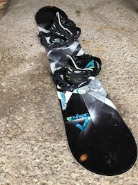 Snow board JR - one forty with bindings included Toronto, M5A 2Y2