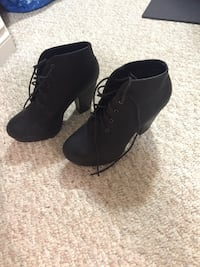 Pair of black suede chunky heeled boots Edmonton, T6R 0A3