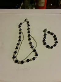 beaded green-and-black necklace and bracelet