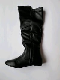 Brand new in box Ladies boots size 8 / #AA15A Laval, H7P 5V3