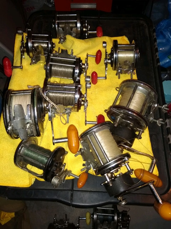 Collectors/Deep Sea Fishermen: Huge lot of vintage Penn Reels 378355d6-289d-4d15-9998-a33d67eb6a9b