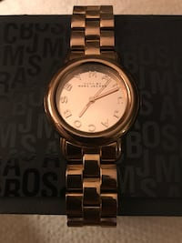 Gold marc jacobs analog watch with gold link strap Rancho Cucamonga, 91737
