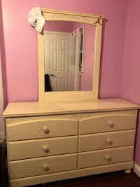 white wooden dresser with mirror Lanham, 20706
