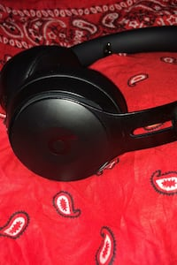 Beats studio 3' s and beats solo pros for sale