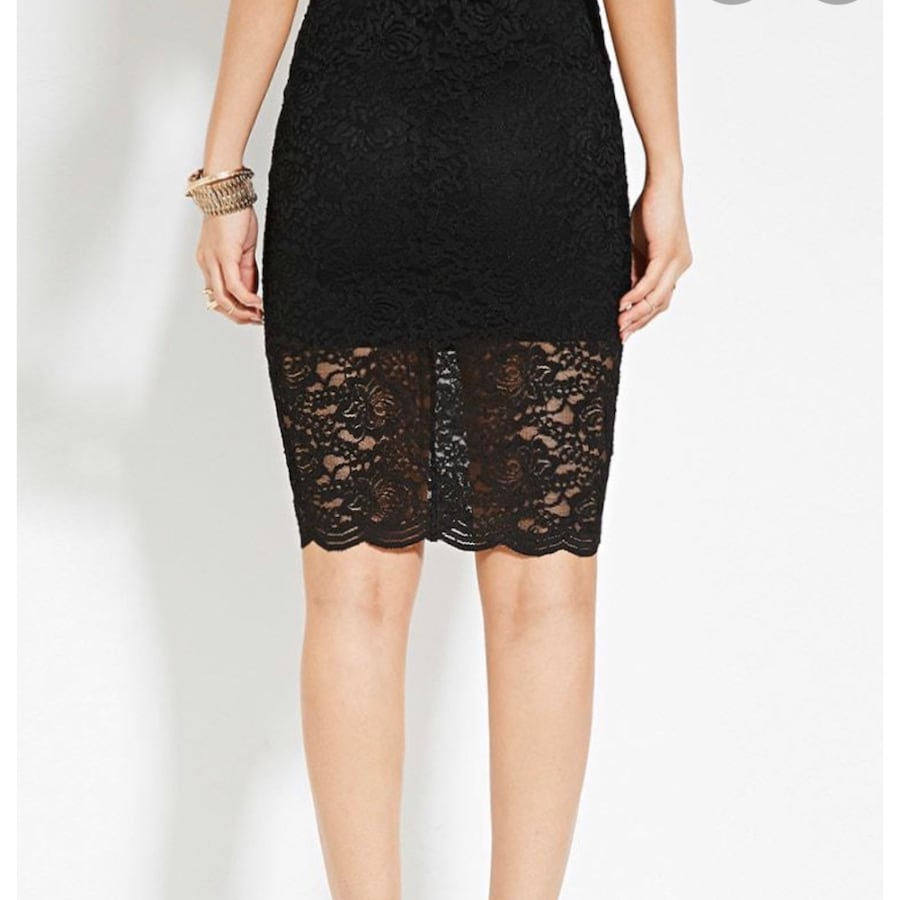 Forever 21 | Black Lace Pencil Skirt