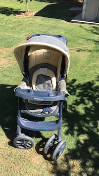 baby's brown and black umbrella stroller Bakersfield, 93306