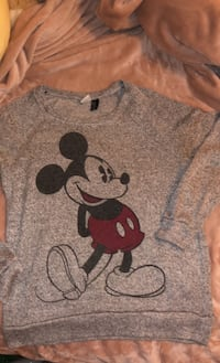 Mickey Mouse size medium sweater Mississauga, L4Y