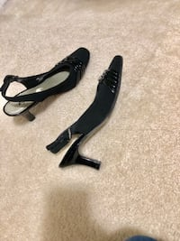 Black Sandals size 5.5 Waldorf, 20602