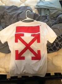 Off white T shirt size small Savannah, 31419